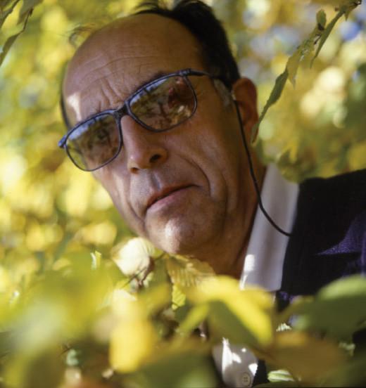Yves Baron dans son jardin en 1997 - Photo Bruno Veysset