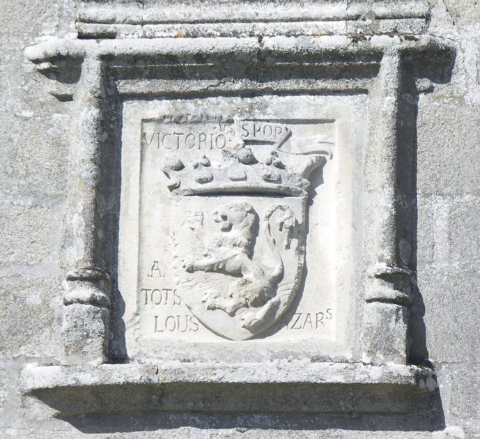 cartouche lion pierre calcaire