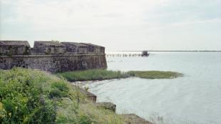 paysage fort océan carrelet