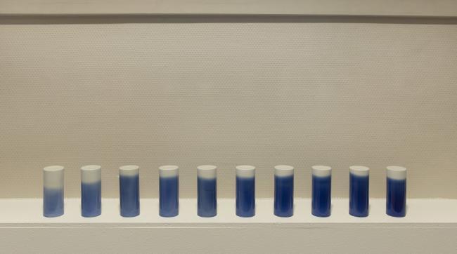 cylindre blanc bleu porcelaine