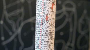 bâton bois mots écritures dessins